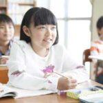 小学3年生から英語の授業を始めるのは早すぎる?
