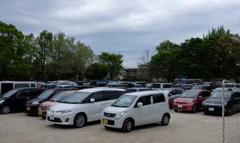 避難先の駐車場