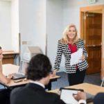 英会話習得の為に英会話スクールに通うことは有効か?